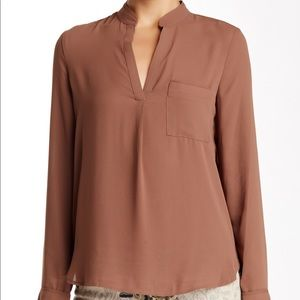 RO & DE Long Sleeve Split Neck Pocket Blouse
